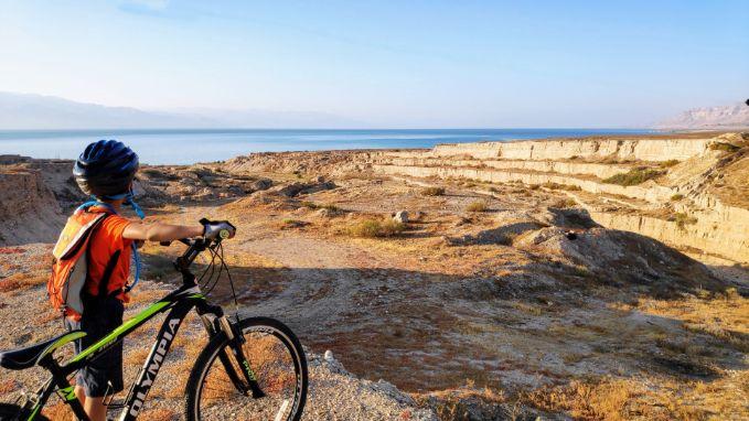 אופניים בים המלח